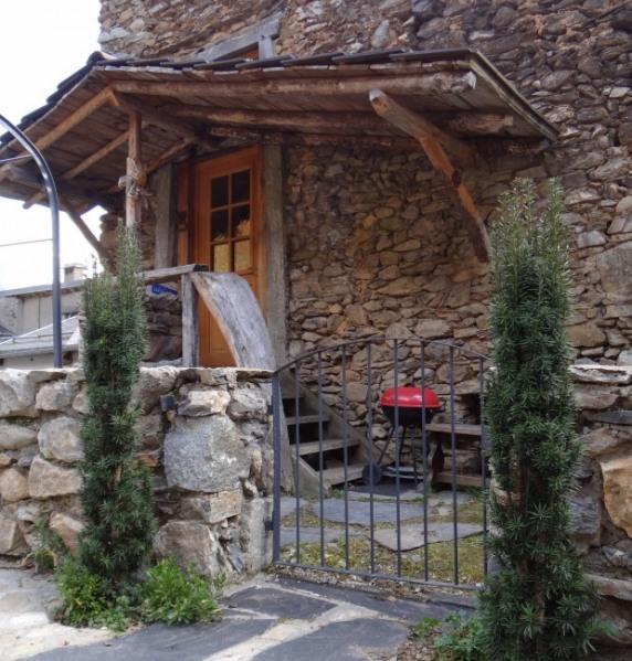 Gîte en duplex, grange restaurée, au coeur du village de Saleix, vallée d'Auzat - Vicdessos - Haute Ariège. - Auzat