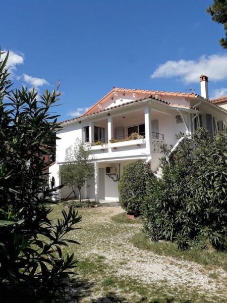 Villa individuelle plein Sud à 20 m de la plage avec jardin arboré et Garage