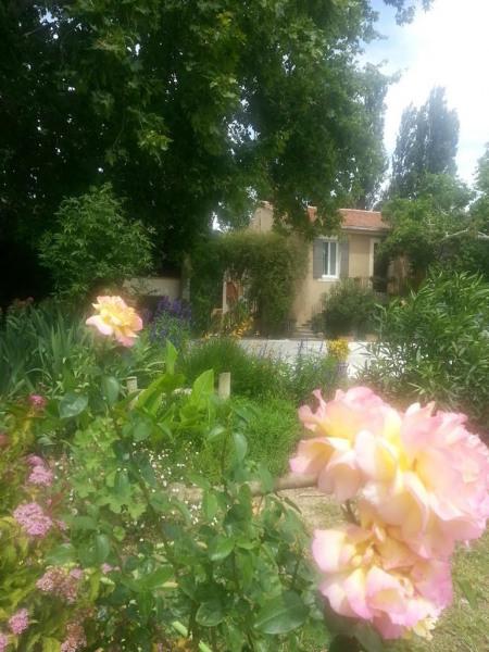 L'Oustaou des Girardes et le parfum des roses