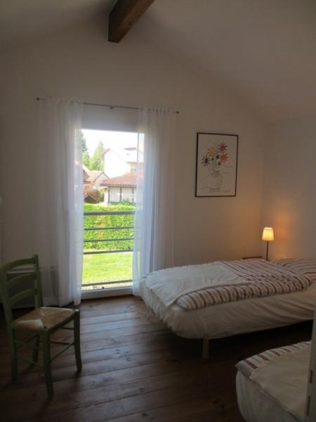 """""""Picasso"""" Chambre 2 douillette avec 2 lits (90/200) et vue sur le jardon"""