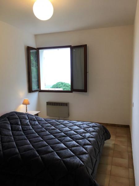 chambre 1  avec placard  lit en 160
