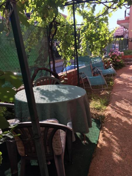 Location vacances Saint-Raphaël -  Appartement - 2 personnes - Chaise longue - Photo N° 1