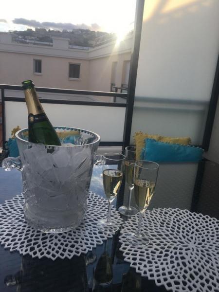 Trop bon ce petit champagne le soir