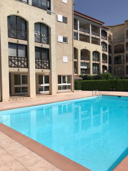 Appartement centre Sainte Maxime piscine + parking privé