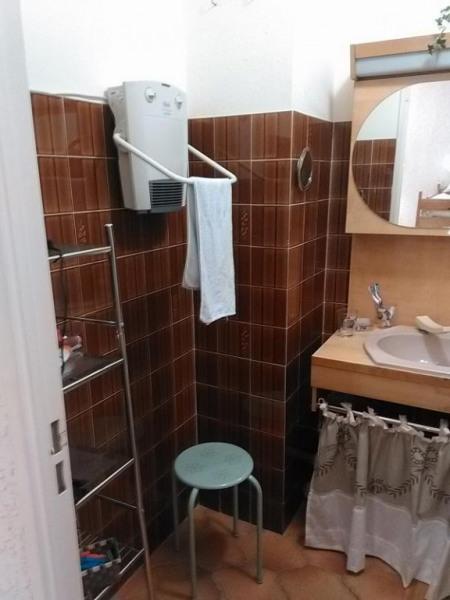 salle bains cote lavabo