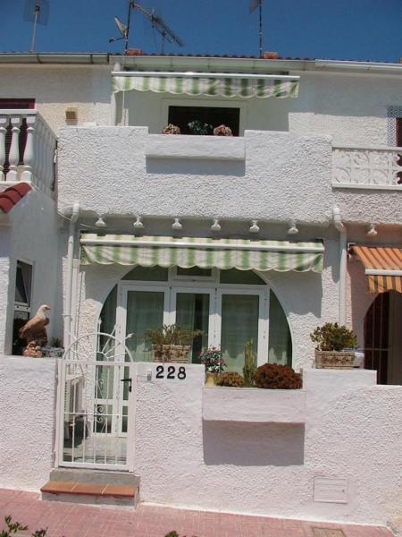 TORREVIEJA (Alicante) Espagne Location maisonnette T2 Bord de Mer.