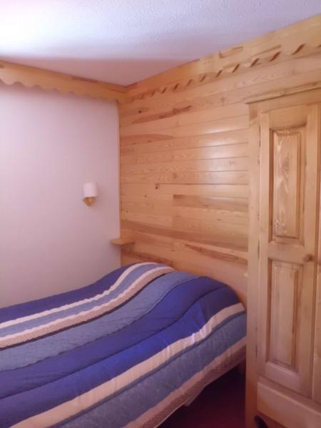 chambre avec 1 lit de 2 personnes