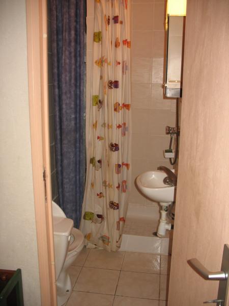coin douche et wc du rez de chaussée