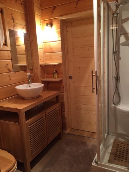 Salle d'eau RdC avec WC