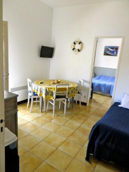 appartement bleu ,salle a manger bz ouvert, vue su