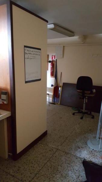 location bureau charbonni res les varennes puy de d me 63 150 m r f rence n 63 0414. Black Bedroom Furniture Sets. Home Design Ideas