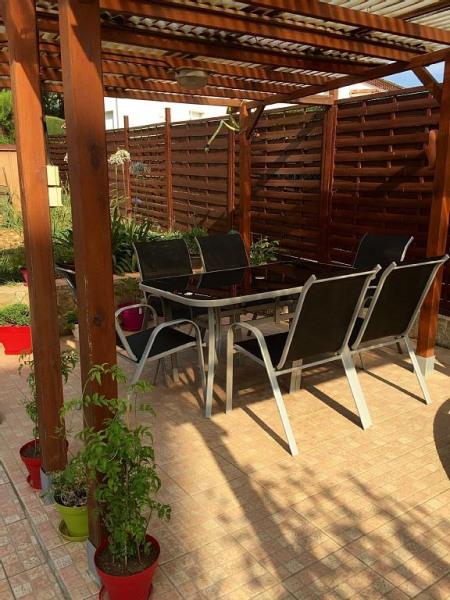 Terrasse pour repas extérieur