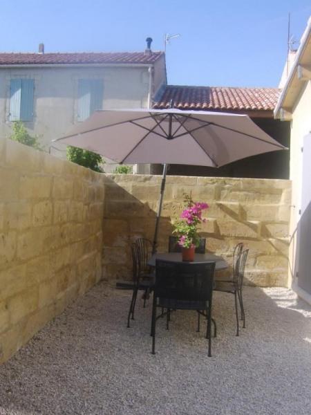 Location vacances Aureille -  Gite - 4 personnes - Barbecue - Photo N° 1