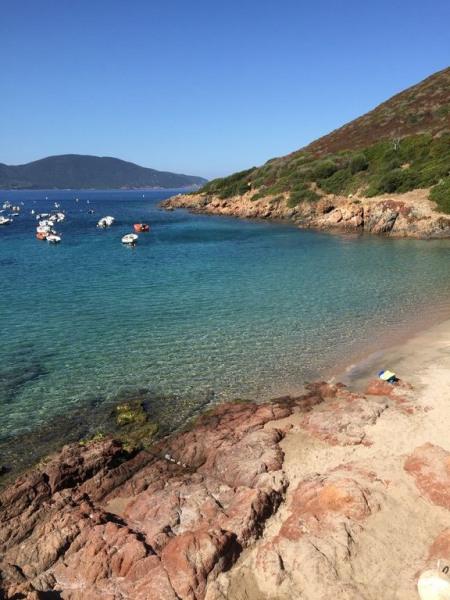 Location chalet à 600m de la plage au calme avec une belle vue de la mer - Bleuet