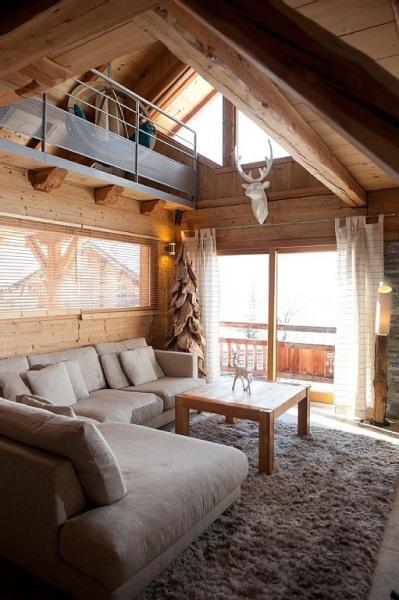 Salon avec vue ouverte sur mezzanine