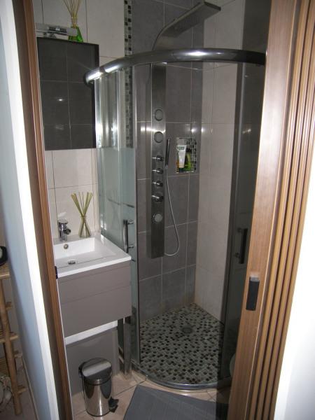 Coin toilette/douche et WC privé