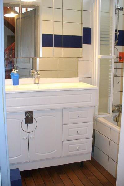 Salle de bain 1 - Avec baignoire