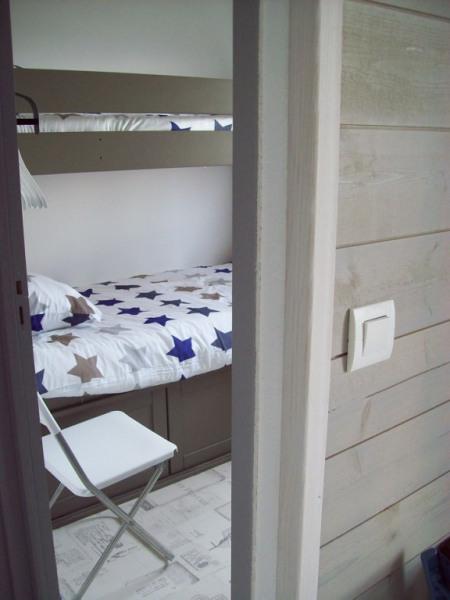 chambre et 2 lits superposés