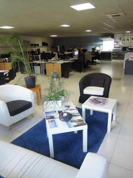 vente bureau montreuil bas montreuil r publique 93100 bureau montreuil bas montreuil. Black Bedroom Furniture Sets. Home Design Ideas
