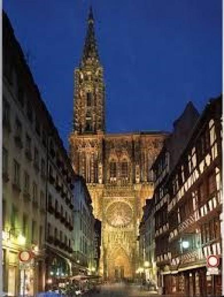 Cathédrale de Strasbourg ( 20 kms  )