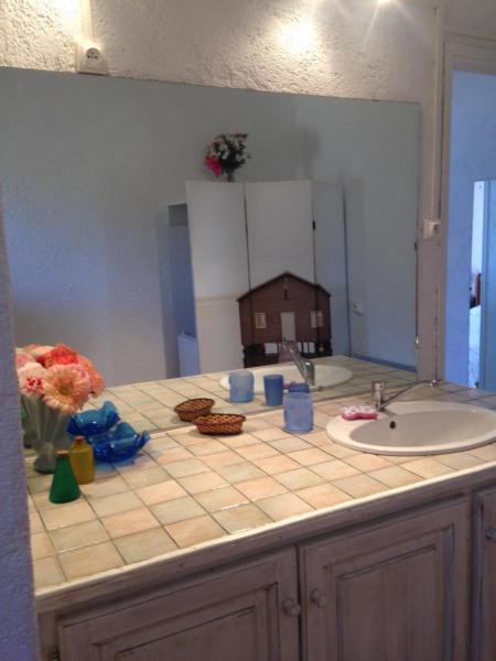 plan salle d'eau avec vasque et miroir