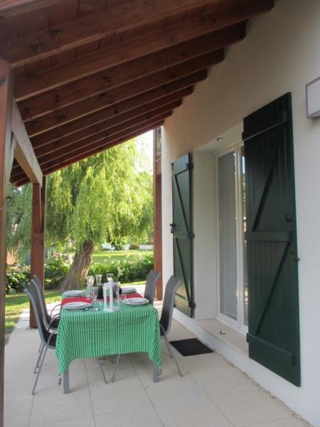 """""""Matisse"""" Terrasse est à l `abri pour profiter du soleil même le matin"""