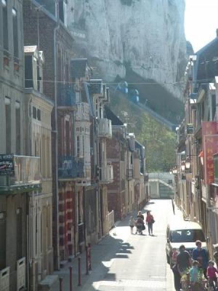 vue du balcon à droite sur le funiculaire