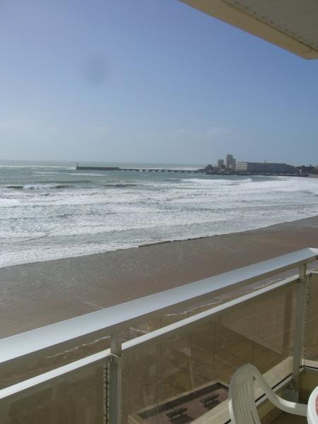 NOUVEAU : très agréable TYPE 2 tout équipé sur le Remblai, face à la plage :
