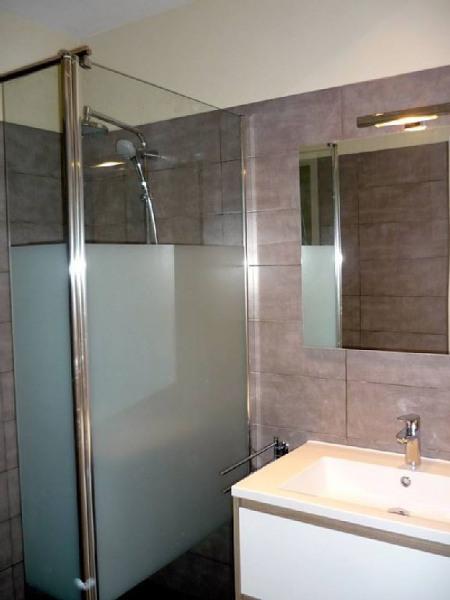 salle de bain rénovée (douche à l'italienne)