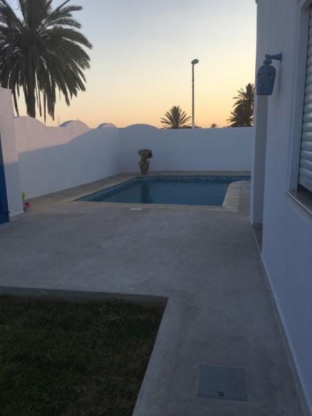 Avant maison/piscine