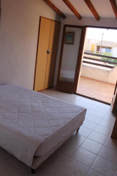 1 ère chambre à l'étage, lit en 140,  donnant sur la terrasse