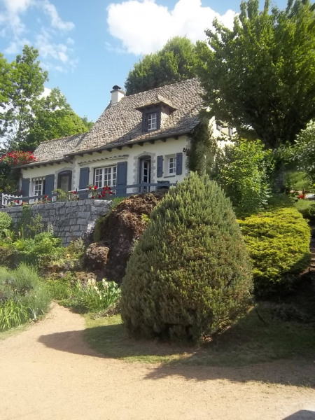 Holiday rentals Vic-sur-Cère - House - 8 persons - BBQ - Photo N° 1
