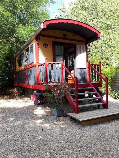 Location vacances Le Châtelet -  Insolite - 4 personnes - Bouilloire - Photo N° 1