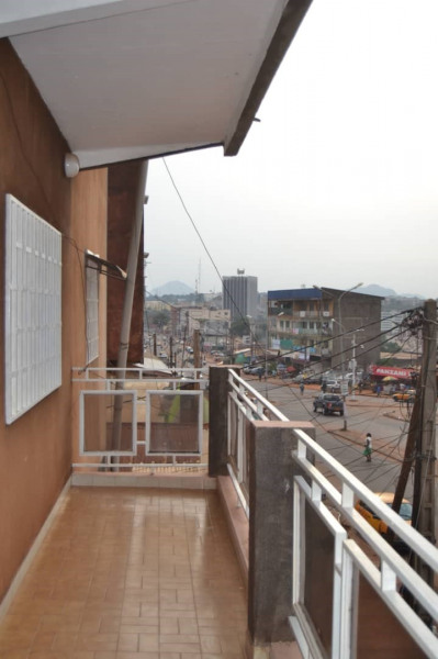 Holiday rentals Yaoundé V - Apartment - 7 persons - Cable/satellite TV - Photo N° 1