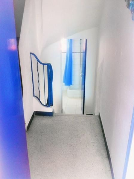 salle de bain exclusive pour cet appartement dans l escalier