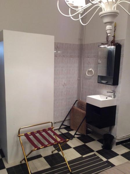 Douche et lavabo chambre du rez de chaussée