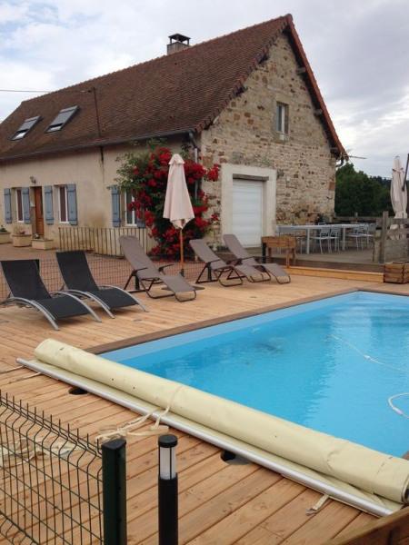 location maison campagne avec piscine, à Saint-Bonnet de vieille vigne 71430