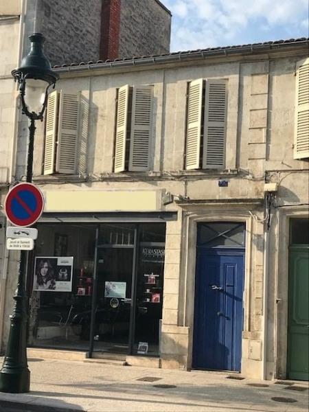 Centre ville - local commercial et bureau pour 76 m² - Rochefort (17300)-1