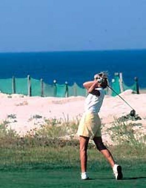 golfer à Moliets en bordure de l'océan