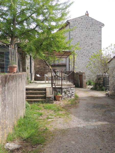 Location vacances Saint-Alban-Auriolles -  Gite - 2 personnes - Barbecue - Photo N° 1