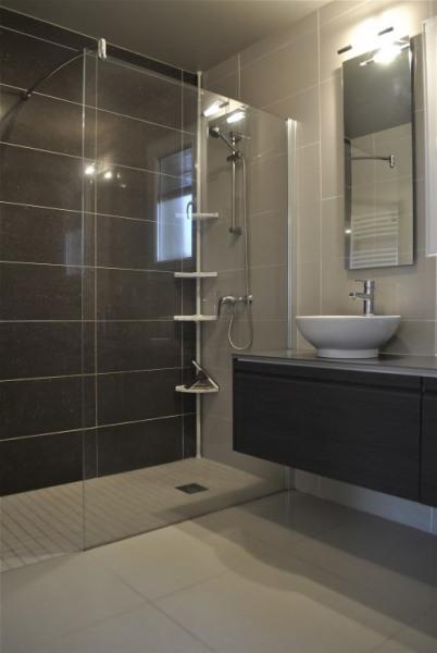 rez de chaussée Salle de bains douche à l'italienne