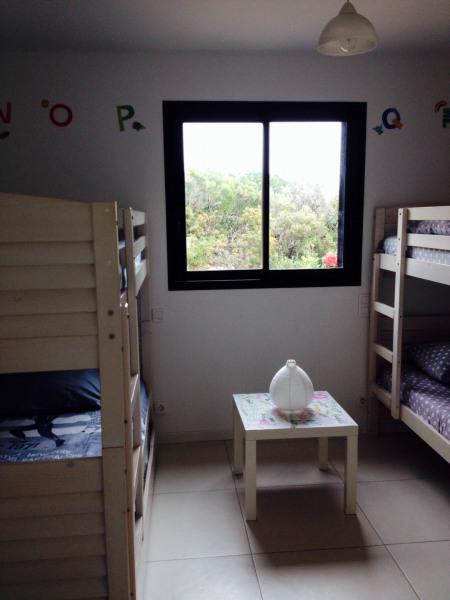 Chambre des petits princes: en rez-de-jardin,   douche, salle de jeux, 5pers