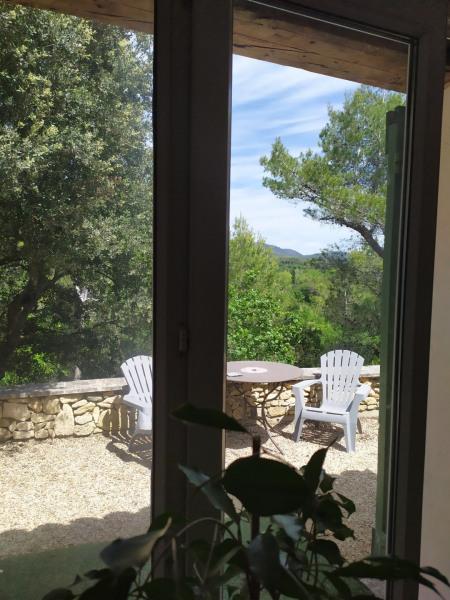 Location vacances Peypin-d'Aigues -  Maison - 3 personnes - Jardin - Photo N° 1