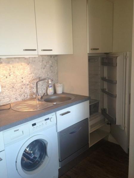 Cuisine côté lave vaisselle, lave linge frigo et c