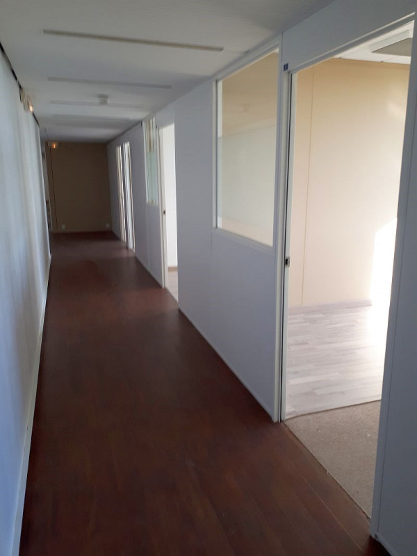 vente bureau saint cloud centre 92210 bureau saint cloud centre de 727 m ref p7631. Black Bedroom Furniture Sets. Home Design Ideas