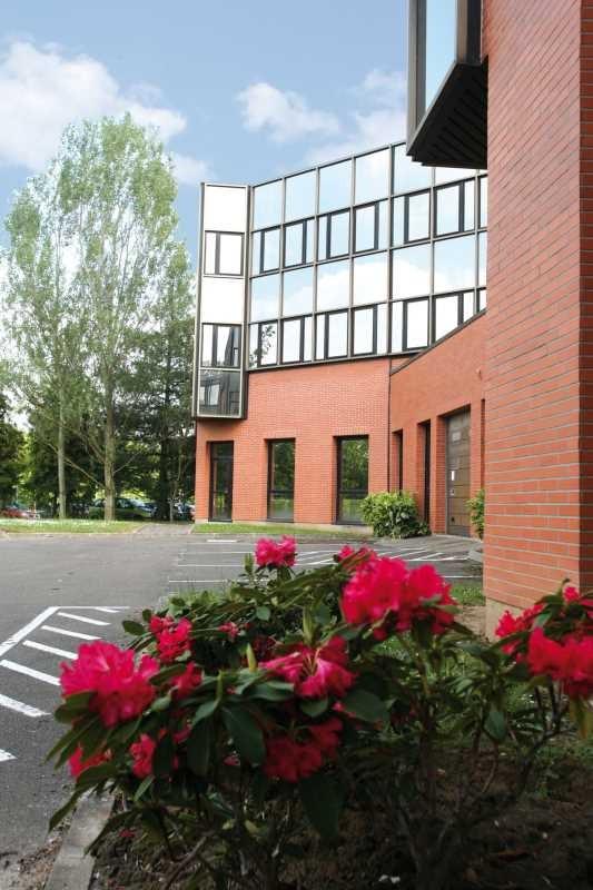 Vente bureau montigny le bretonneux base de loisirs - Bureau de change montigny le bretonneux ...