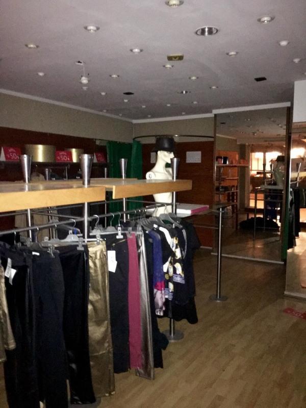 location boutique thionville 57100 boutique thionville de 100 m ref 014b79186. Black Bedroom Furniture Sets. Home Design Ideas