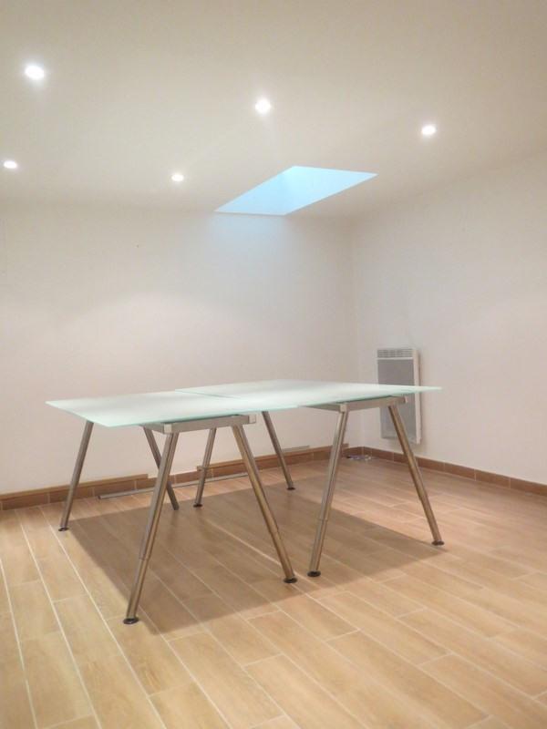 location bureau paris 18 me paris 75 60 m r f rence n 8989583. Black Bedroom Furniture Sets. Home Design Ideas