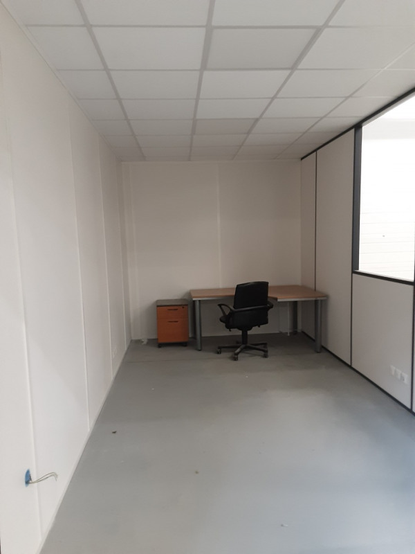 Location Local d'activités / Entrepôt Gasville-Oisème