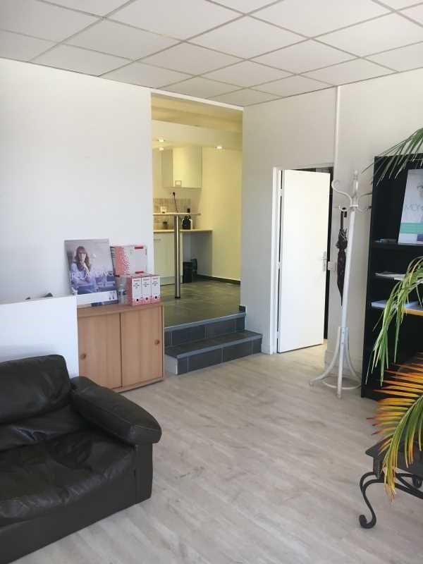 vente bureau courbevoie hauts de seine 92 87 m r f rence n 682812w. Black Bedroom Furniture Sets. Home Design Ideas